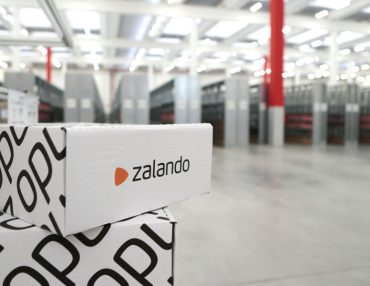 Know-how aus Karlsruhe steuert den Materialfluss für Zalando