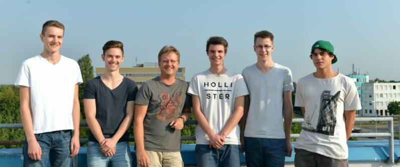 Auszubildende von Dr. Thomas + Partner haben in Zusammenarbeit mit der NOVA Software GmbH eine Ringer-App im Playstore veröffentlicht.