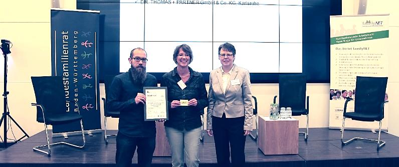"TUP erhält das FamilyNet-Prädikat ""familienbewusstes Unternehmen"" in Stuttgart."