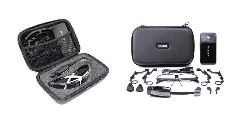 Das Zubehör der Vuzix M100 kann sich sehen lassen: Beispielsweise Powerbank und die Ohrhörer.