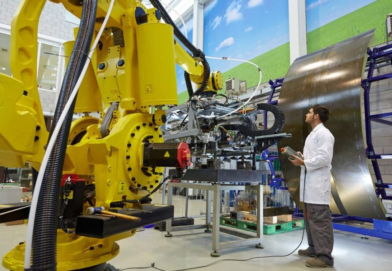 Mensch-Maschine-Kommunikation beschreibt die Zukunft der industriellen Arbeit.