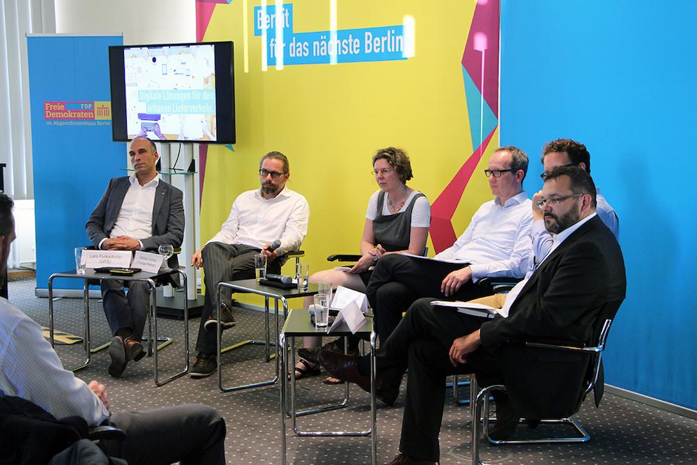 Die Runde bei der FDP-Podiumsdiskussion bestand aus TUP, Uber, Zalando sowie den KEP-Dienstleister UPS.