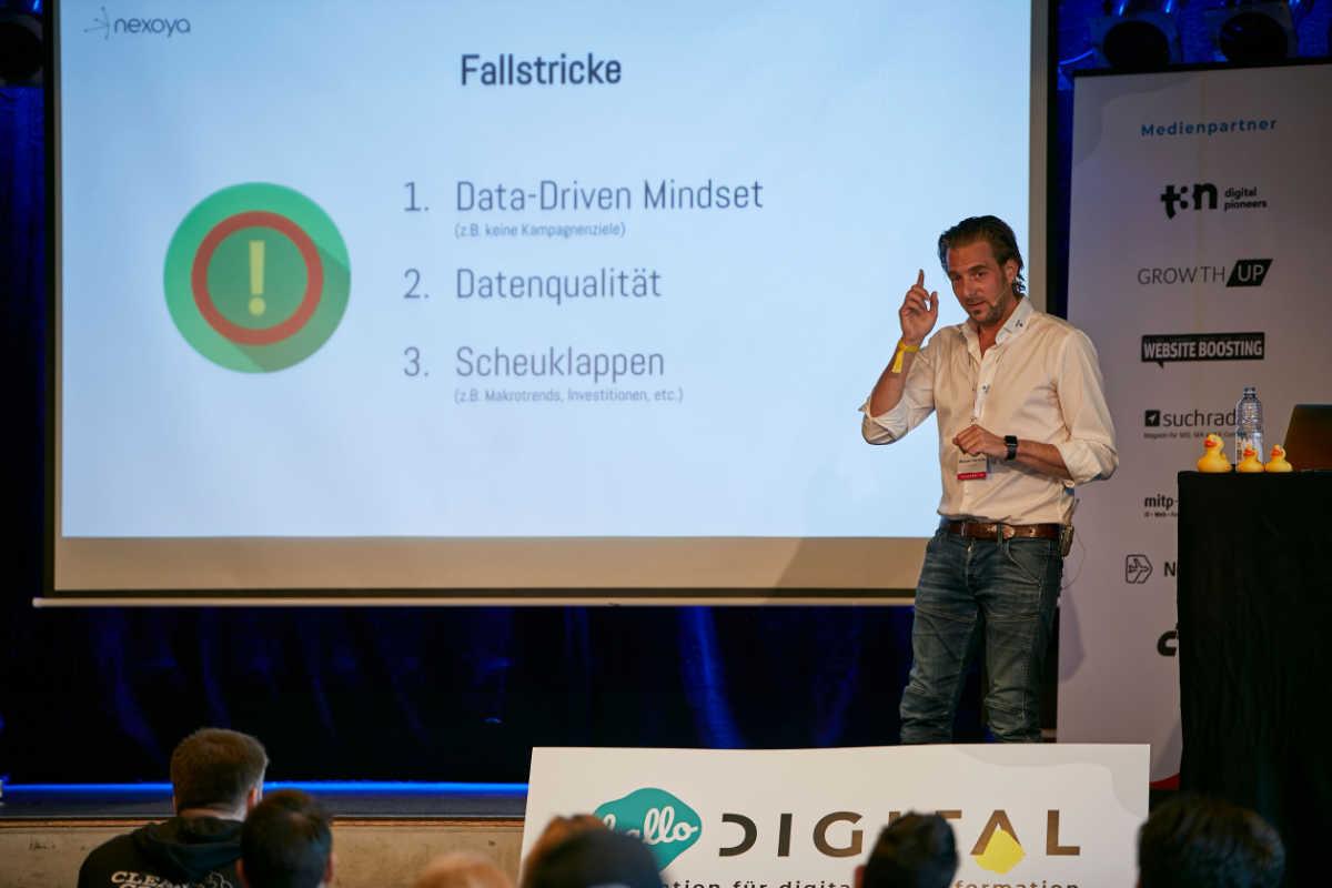 hallo.digital: Was haben KI und Marketing gemeinsam? Ohne Kundendaten geht nichts.